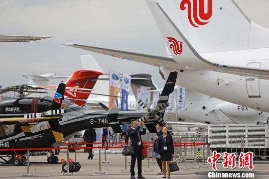 上海两大机场公务机起降量为6366架次,同比略降4.5%