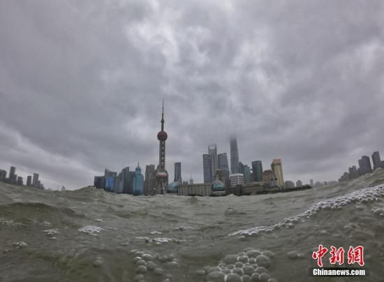 """台风""""利奇马""""来袭 上海转移撤离人员超25万人"""