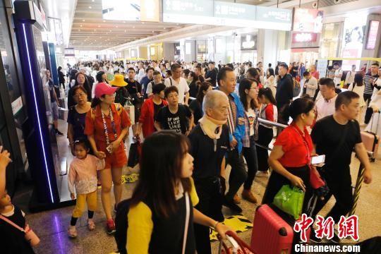 """铁路上海站公布2019年""""中秋""""运输方案 预计发送旅客158万人"""