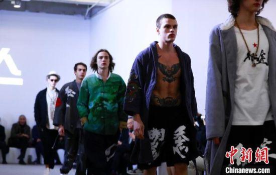 跨界国潮时装在上海发布