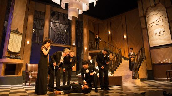 《无人生还》中文版迎十周年演出 小说结尾首